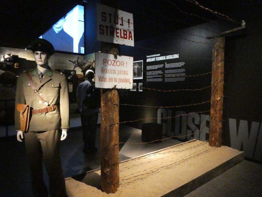 Reconstitution d'un poste frontière. Musée du communisme. Ph. Delahaye.