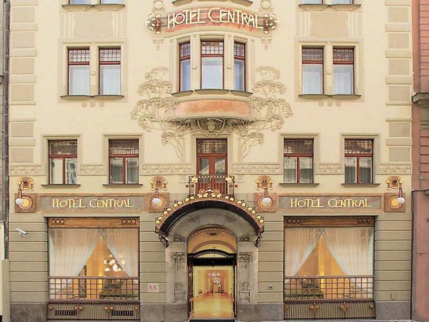 L'Hôtel central. Ph. Delahaye.