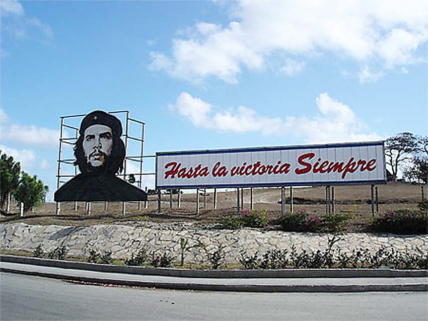 Le Che à l'entrée de Las Tunas. Ph. Delahaye.