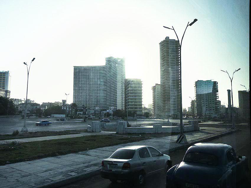 Arrivée sur la quartier moderne de La Havane. Ph. Delahaye.