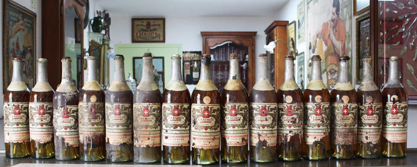 La collection de bouteilles Berger acquises par Patrick Roussel.