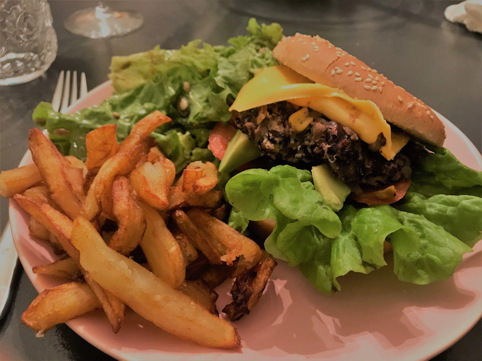 hamburger végétarien aux haricots rouges