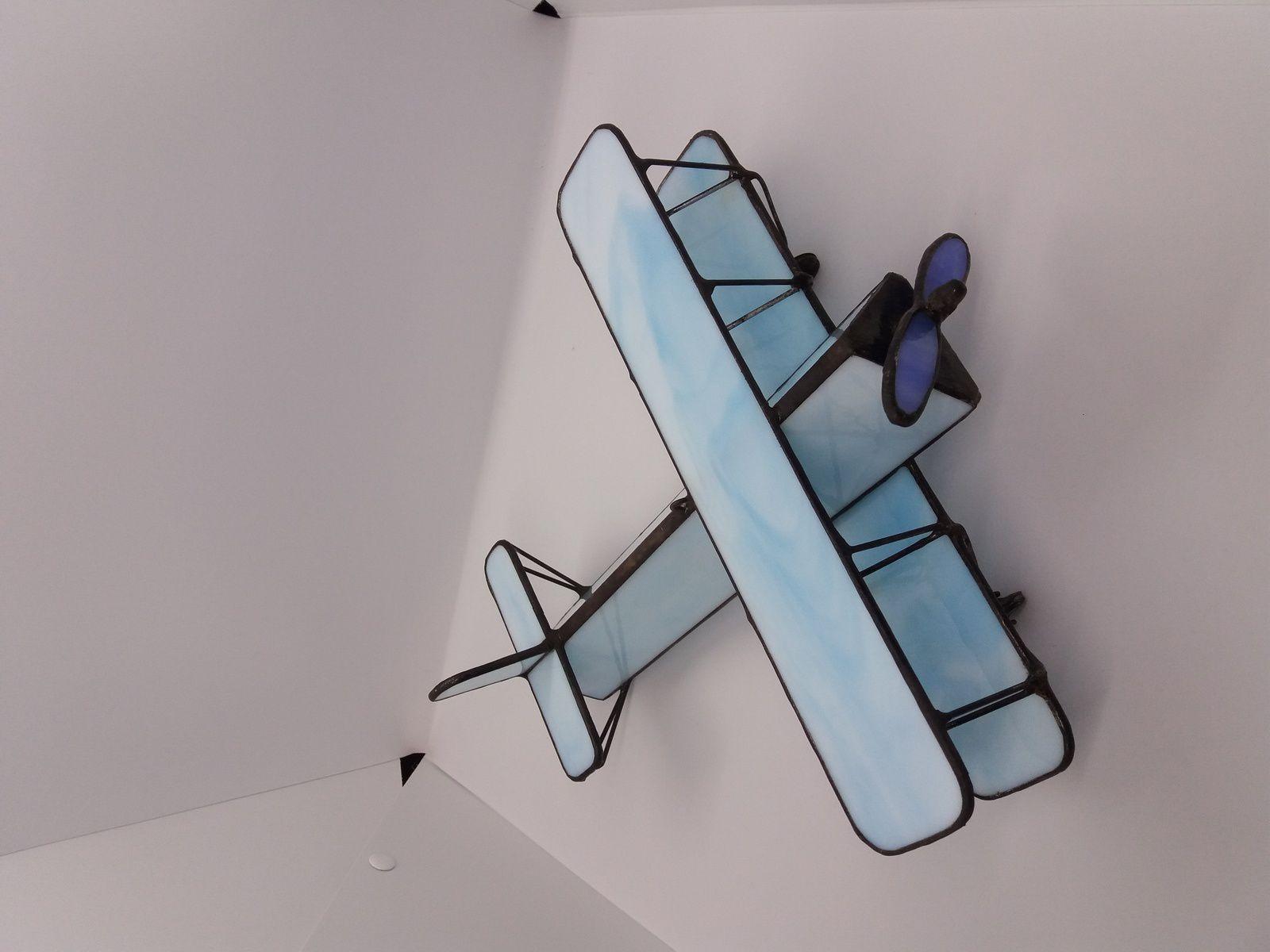 Réalisation d'un avion biplan en vitrail