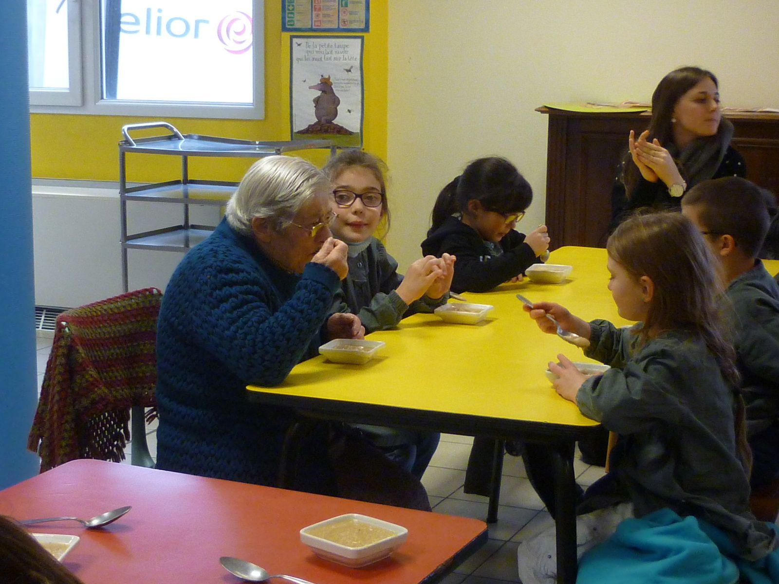 A la rencontre de l'enfance de nos ainés pour les CE2/CM1/CM2 de St Sylvestre