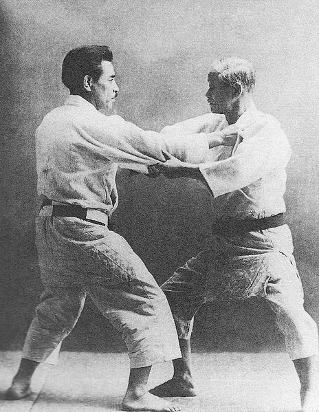 J.Kano et K.Mifune (source : published by ベースボール・マガジン社)