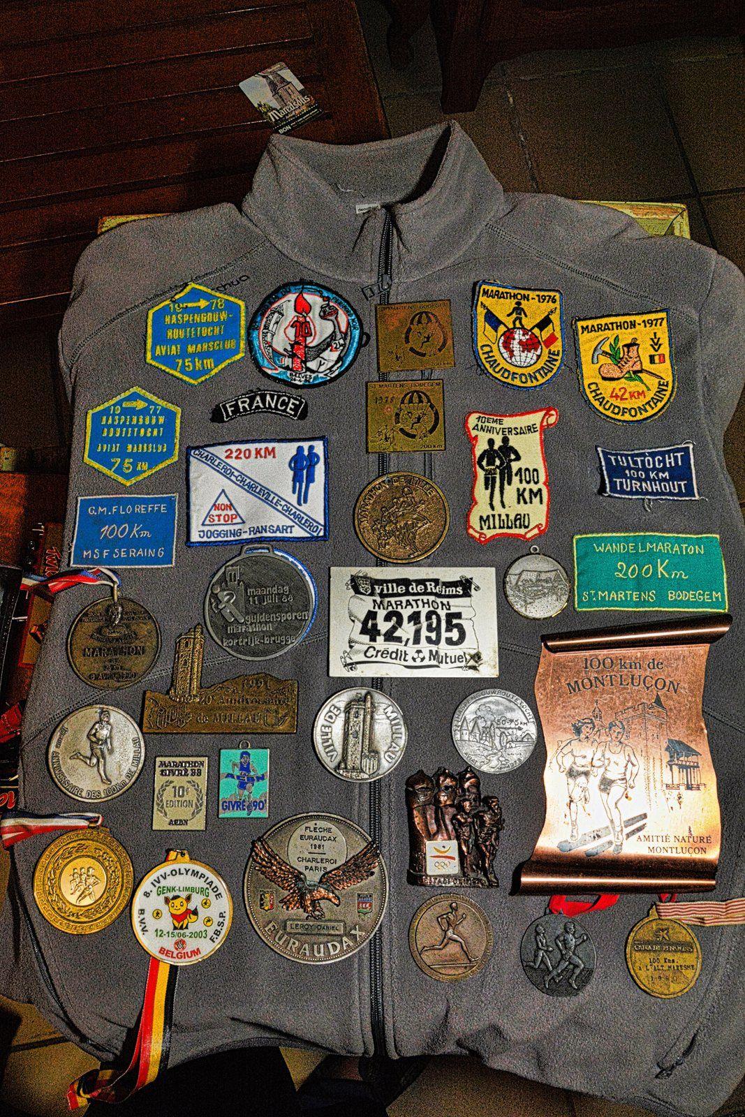 Pour être membre avoir terminé : 100 marathons, ( terminé 121 marathons + 40 x 100 km = 161)