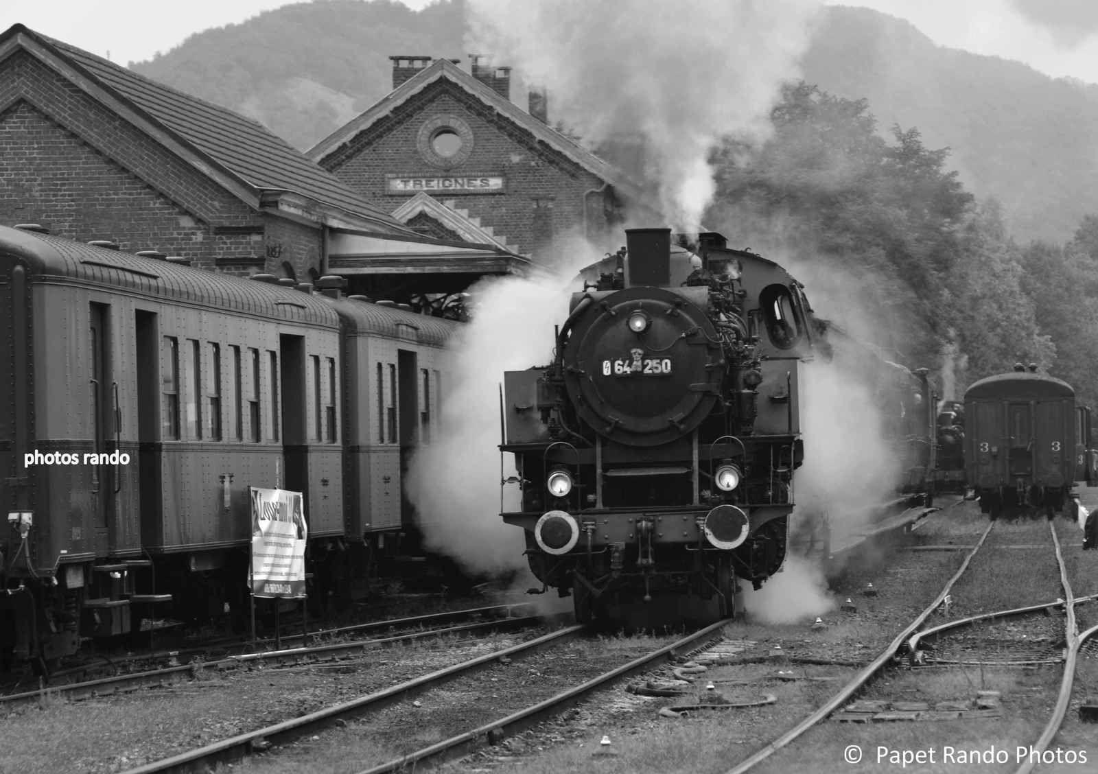 Trains Vapeurs  d'Antan a Mariembourg- , toute une époque ( chaque année fin septembre le Festival Vapeurs a Mariembourg- Treignes un régal  PHOTOS SUR PLUSIEURS ANNÉES