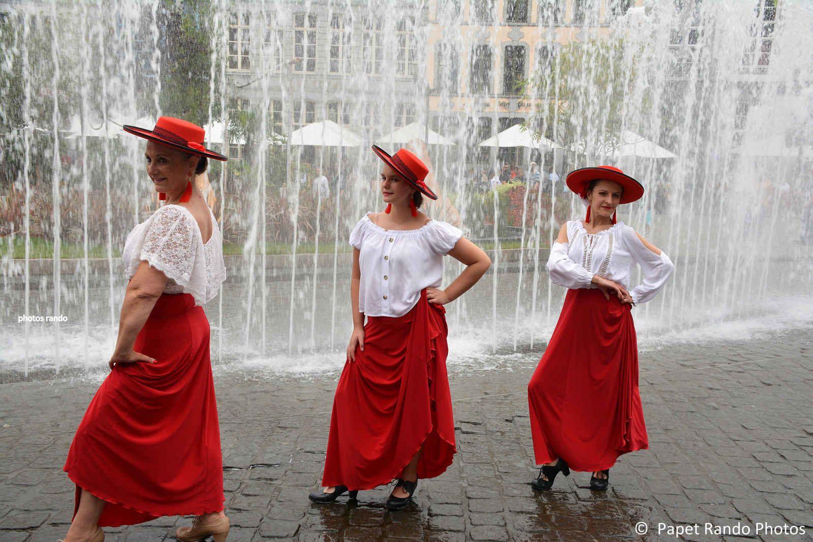 Un des meilleur groupe de Flamenco, de La Louviere , ici sur la Grand Place de Mons, toujoursun spectacle digne de Seville VIVA FLAMENCO