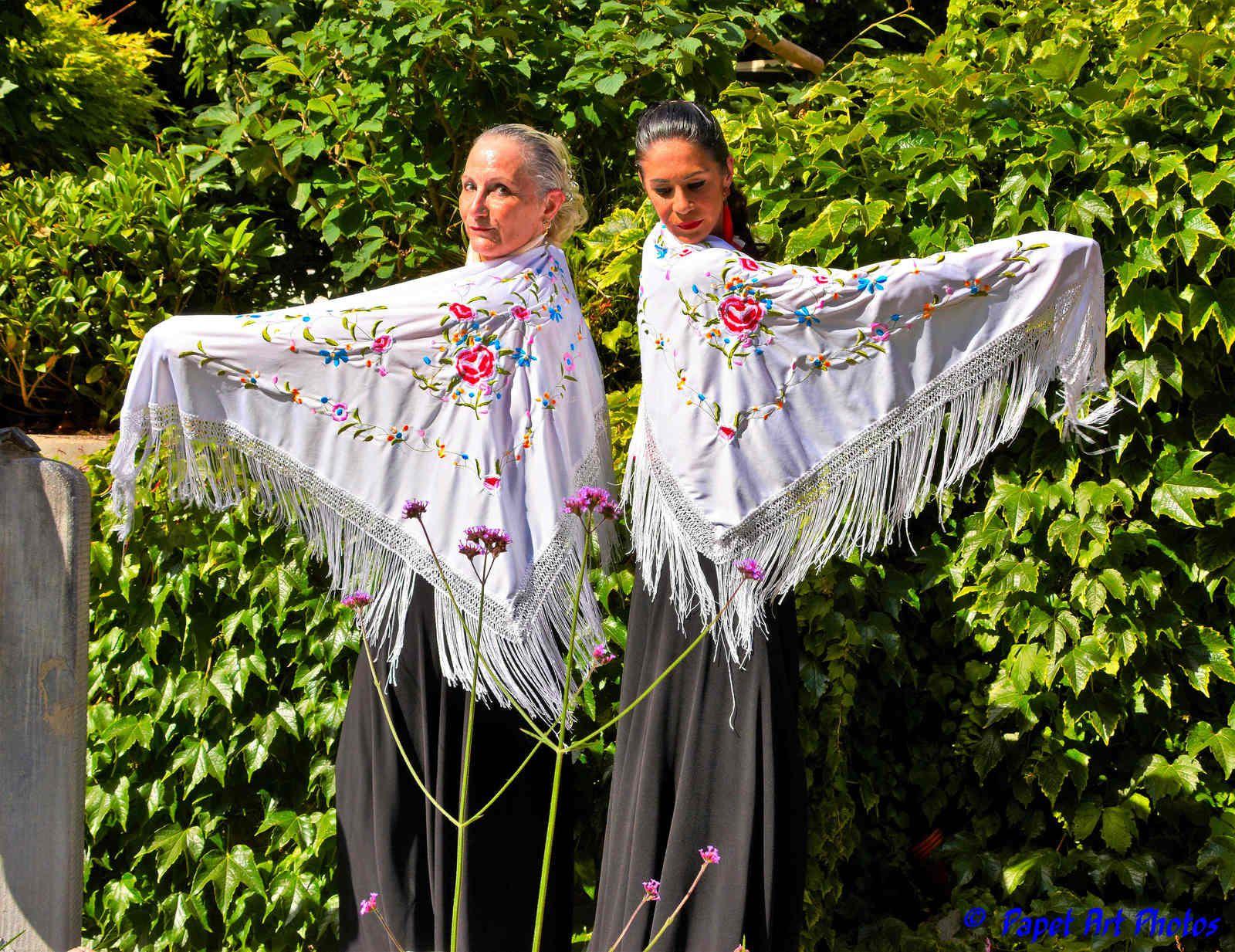 Duende de Flamenco en balade a Mons, Grand Place,  au Jardin du Mayeur a Mons, sous soleil