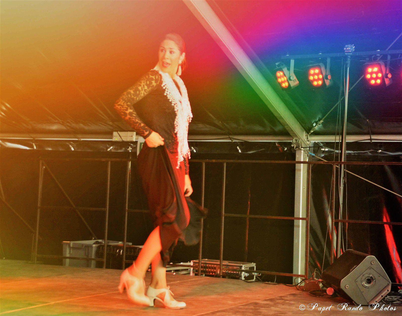 Magdalena de Asti, ( photos sur plusieurs années de 2014 a 2020) toujours souriante, toujours au TOP de son Art le Flamenco, entourée d'une bonne equipe de danseuses Sympa , juste un vrai plaisir pour le photographe Amateur que je suis  MERCI