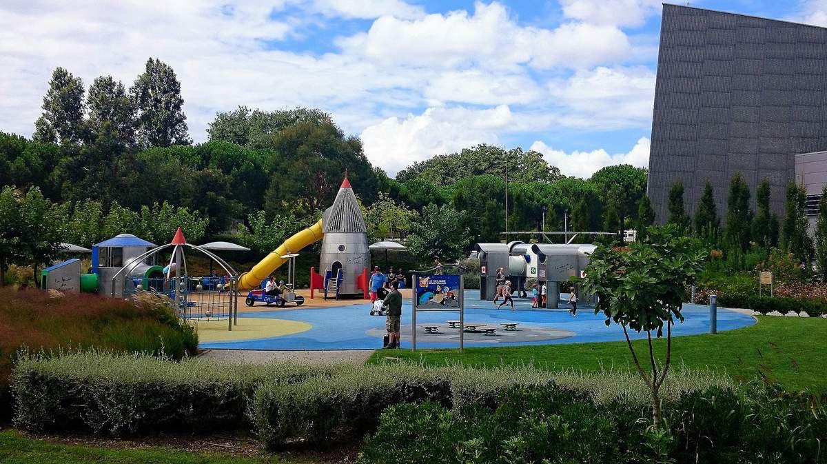 Aire de jeu pour les enfants derrière l'Astralia (Août 2016, image personnelle)