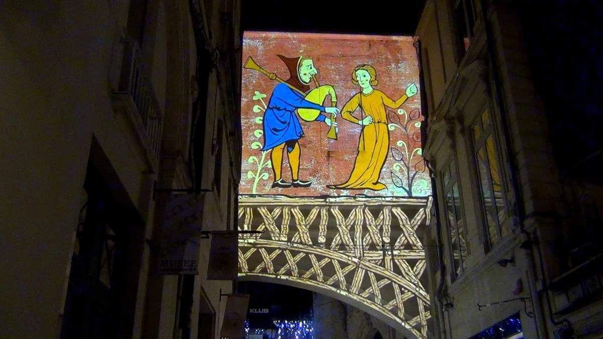 Quelques instantanés de l'arche féerique qui a illuminé la rue Jacques Cœur (décembre 2017, images personnelles)