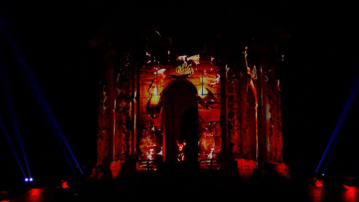 Instantanés du spectacle Okus Pocus qui illumine le chateau d'eau du Peyrou (décembre 2017, images personnelles)