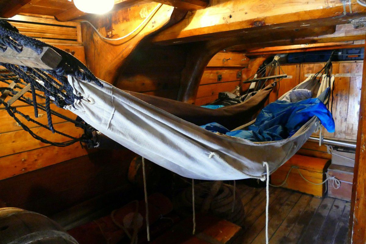 Instants de la vie quotidienne à bord du Shtandart (avril 2018, images personnelles)