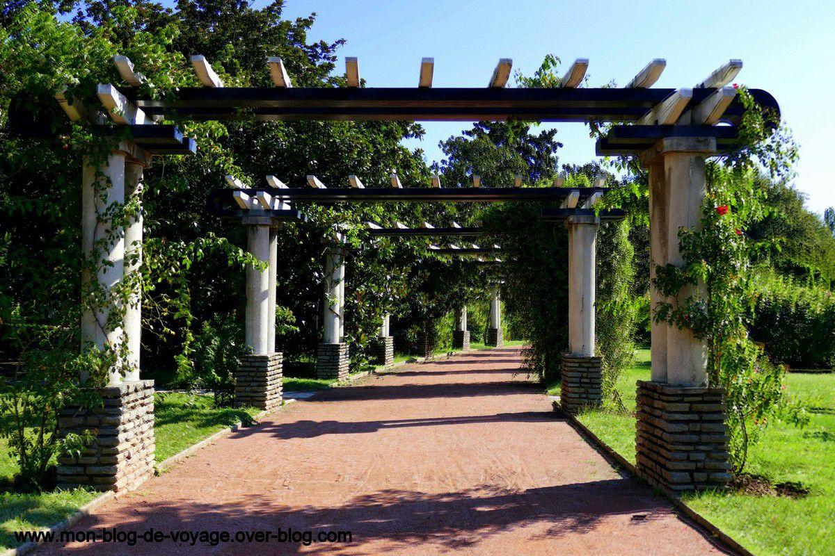 Un jardin moderne et propice à la détente (août 2018, images personnelles)