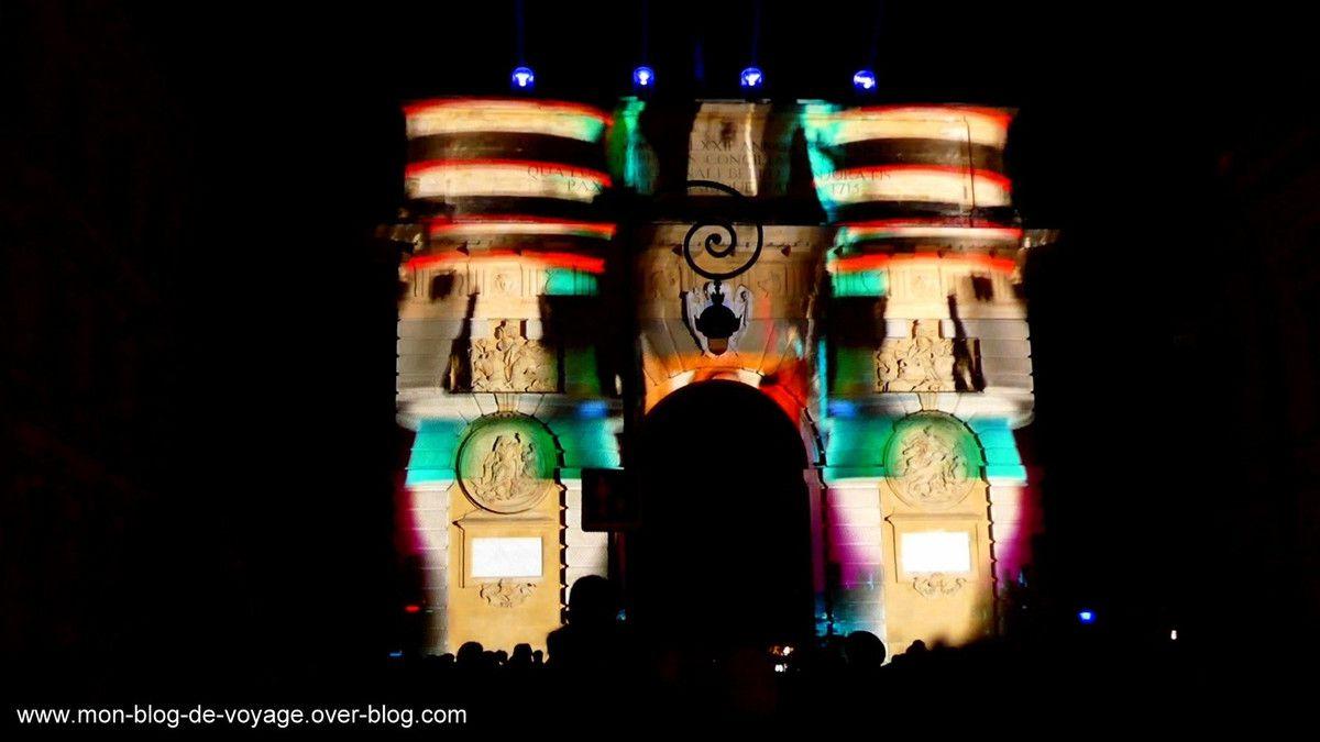 Pulse, un spectacle qui fait voyager l'arc de Triomphe dans le temps et dans l'espace (décembre 2018, images personnelles)
