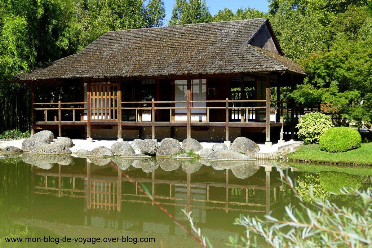 Les abords du lac et du pavillon du thé (août 2019, images personnelles)