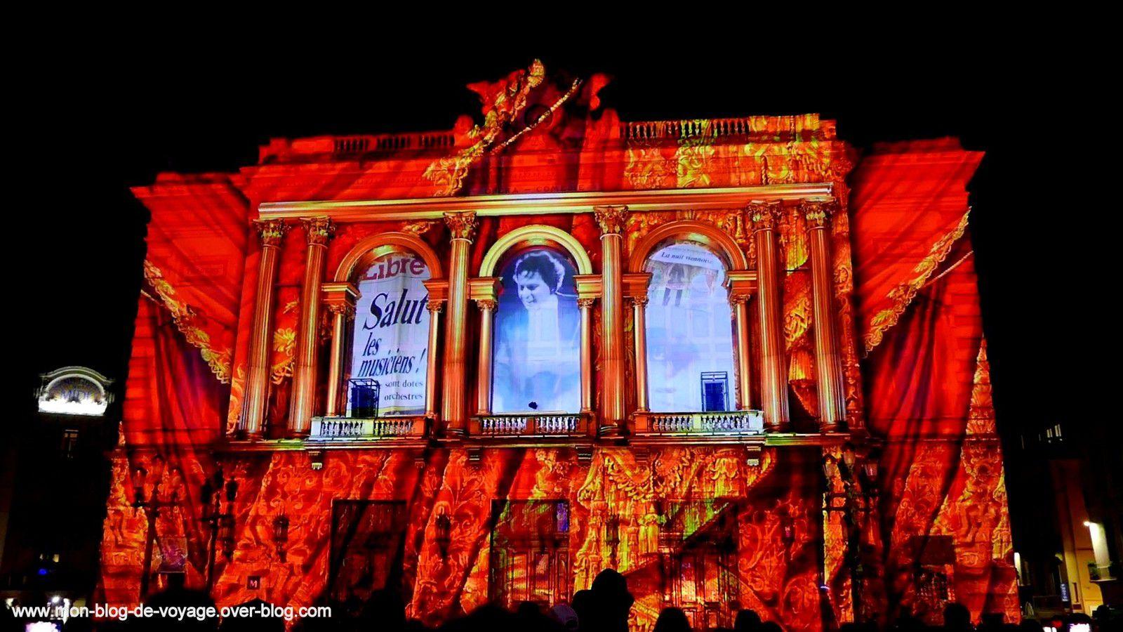 Mapping sur la façade de l'opéra Comédie la grande surprise de cette nouvelle édition (novembre 2019, images personnelles)