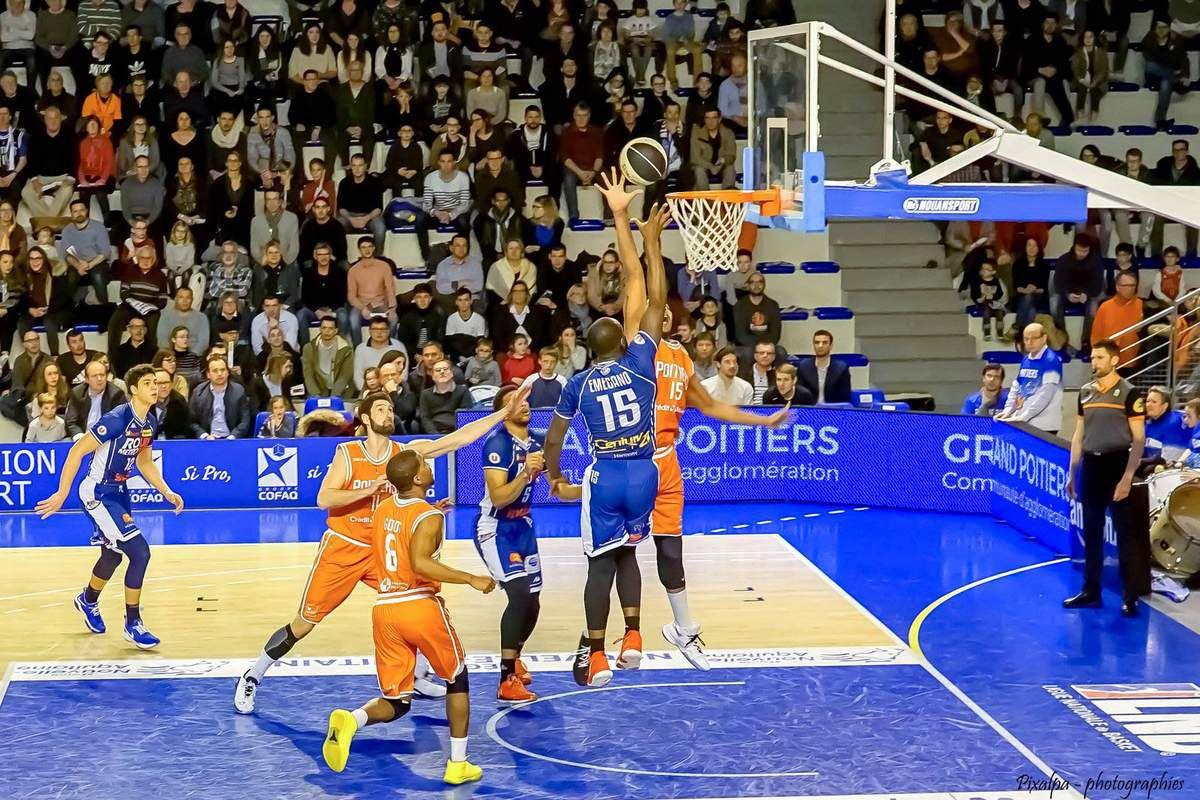 Rencontre de basket entre le PB 86 et Rouen ....