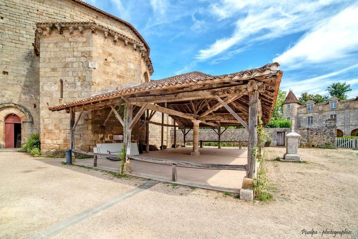 Chateau de Puyguilhem et St Jean de la Côle ...