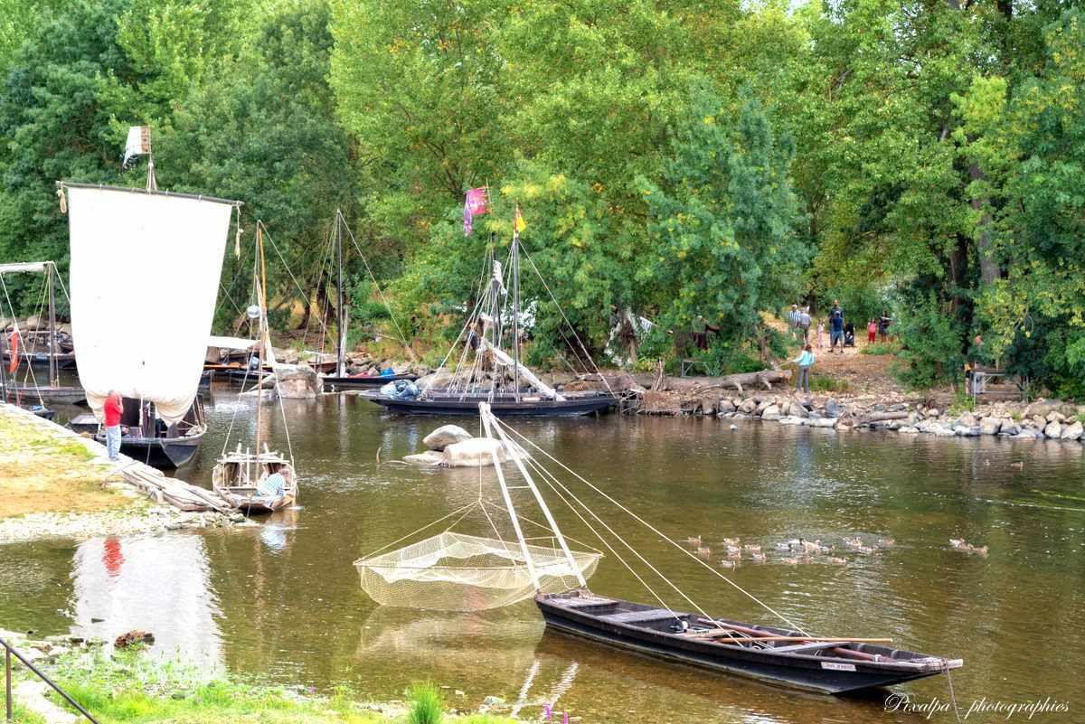 Vieux bateaux et quais en fête à Chatellerault ...
