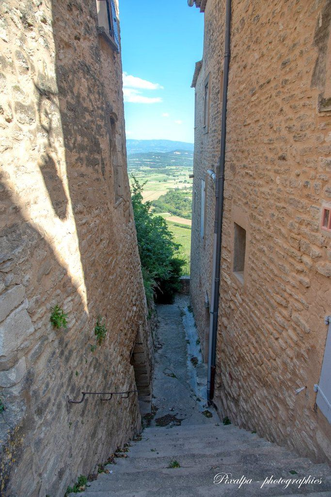 Gordes, un des plus beaux villages de France ...