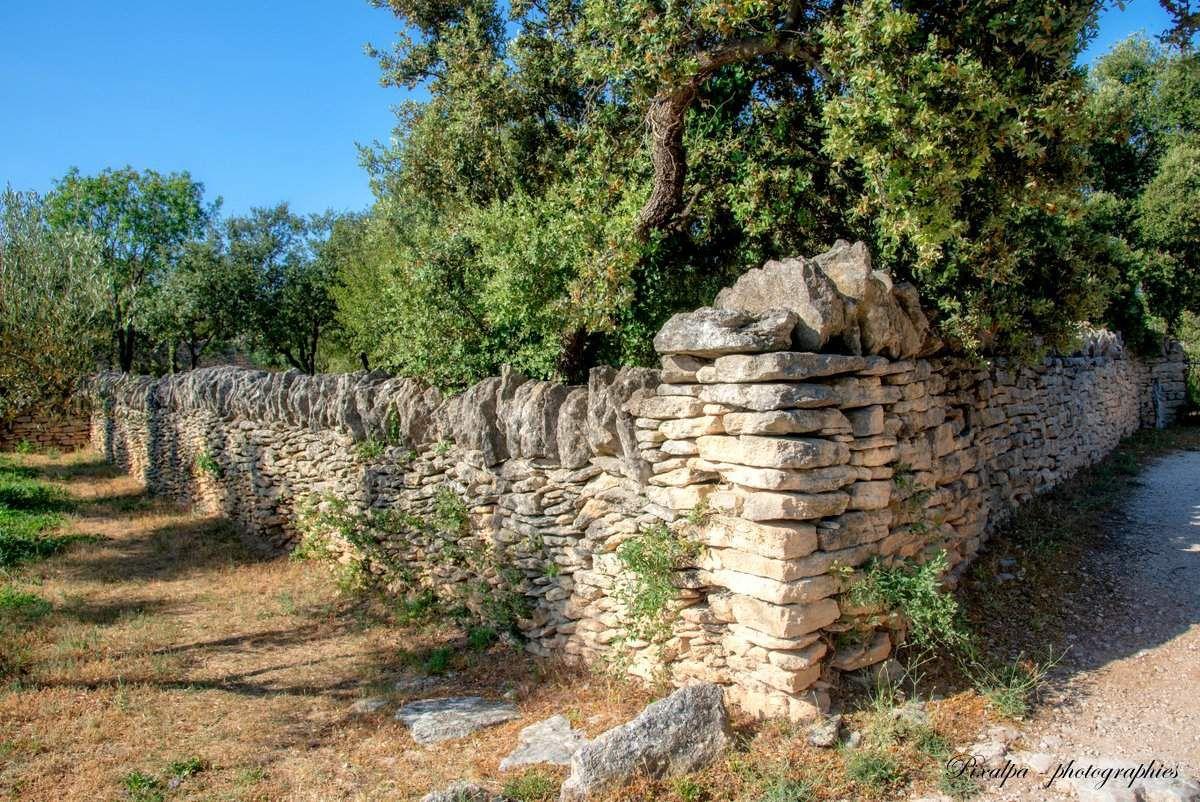 Le village des Bories, à côté de Gordes ...