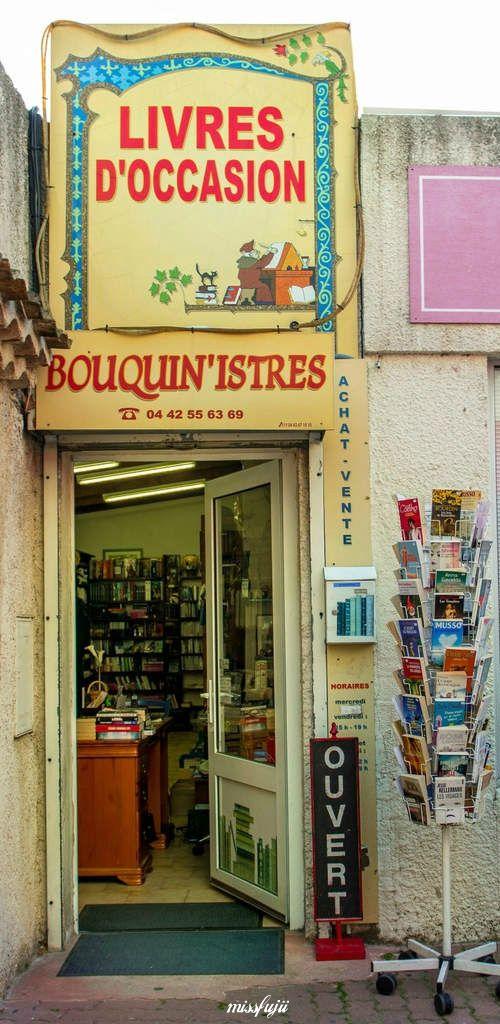 Voici, la petite boutique dans laquelle, j'aime acheter mes livres d'occasions. On y trouve aussi des CD. Jany, la propriétaire vous y accueille avec gentillesse et sourire