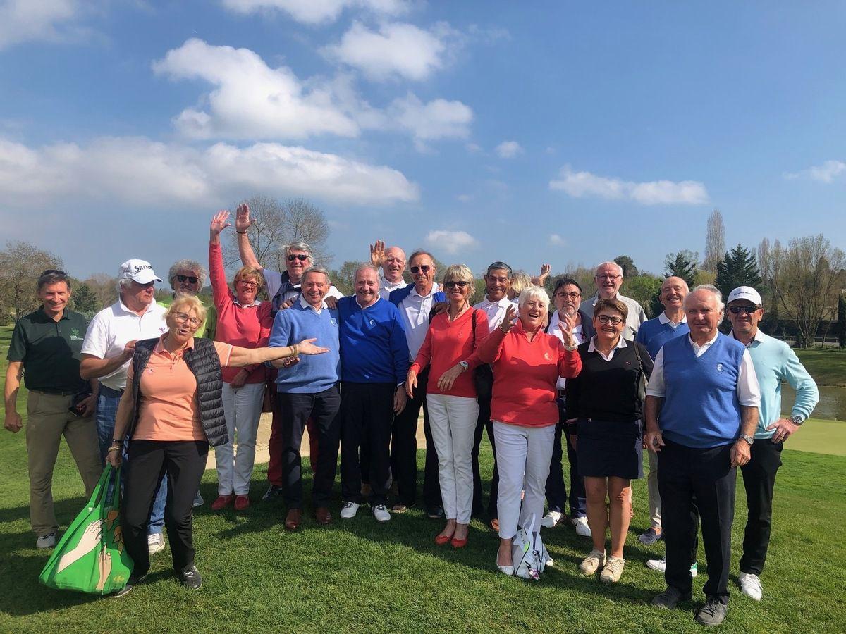 2019 GGB1 reçoit Golf Club de Saumane dans la Coupe de l'Amitié