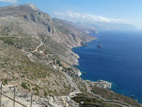 cote sud, les falaises, le monastère