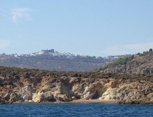 agios georgios , a l'est d 'aghios georgios, le monastere, baie agrilimani