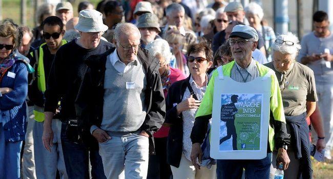 400 personnes de différentes religions ont osé la RENCONTRE et marché pour la PAIX hier à Colomiers