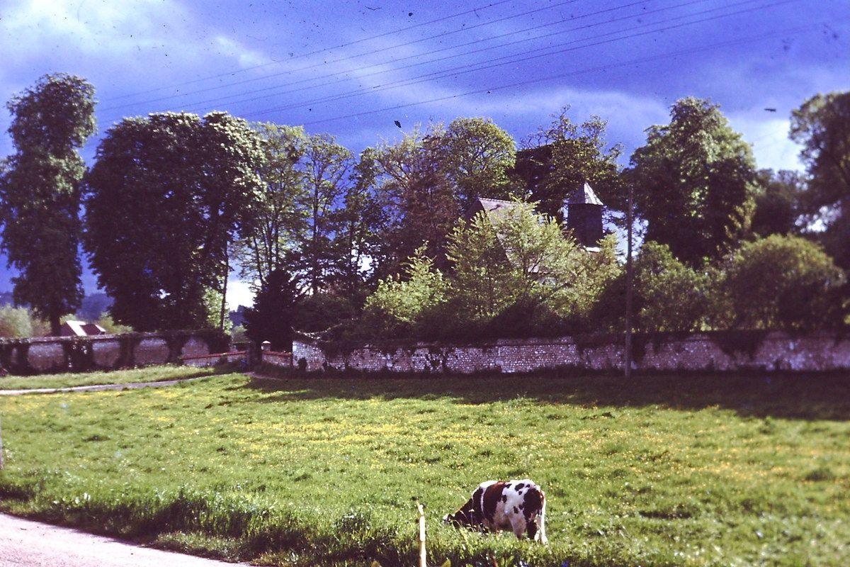 La Place Poullard à Hautot-sur-Seine