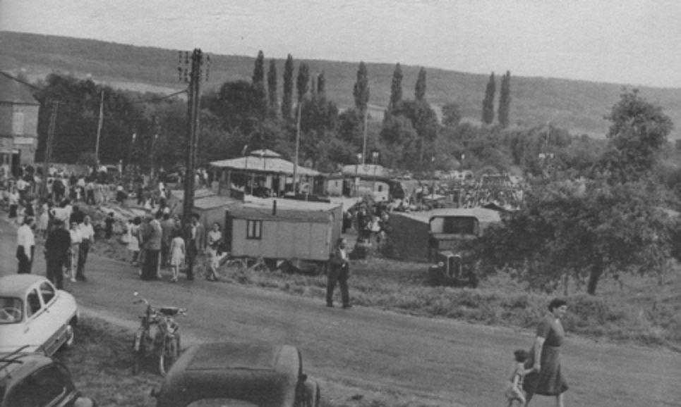 Fête foraine de la Saint Antonin à Hautot sur Seine dans les années 60