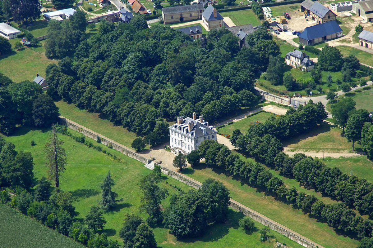 Vues aériennes du Château d'Hautot sur Seine