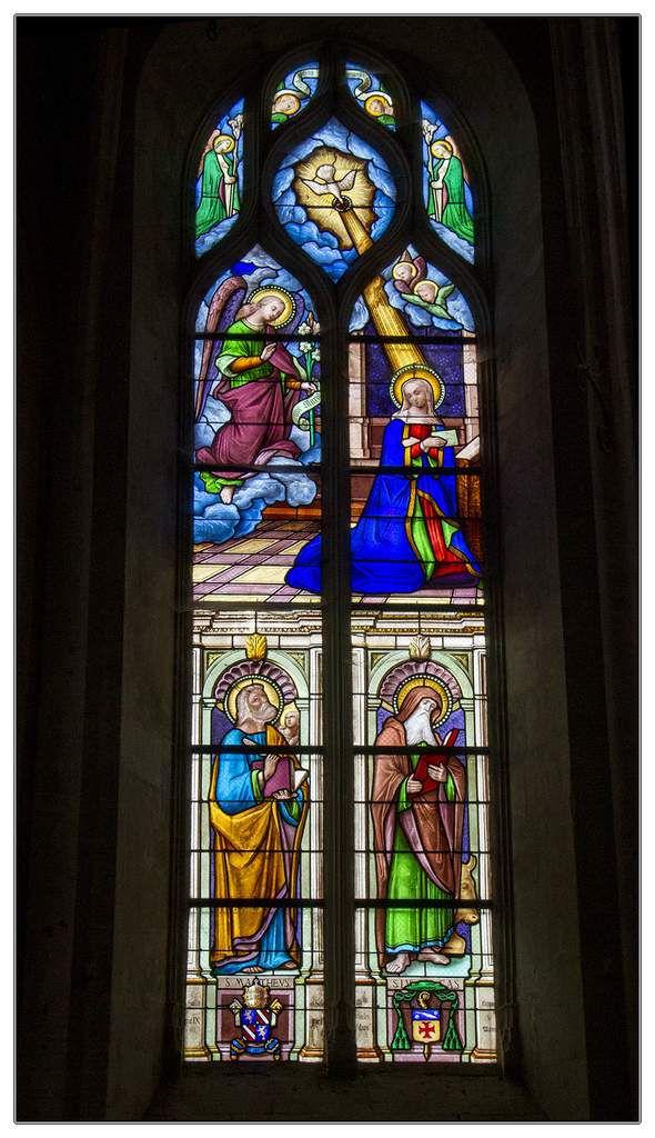 Ensemble de vitraux de l'église Saint-Martin-de-Tours à Ecommoy - Sarthe