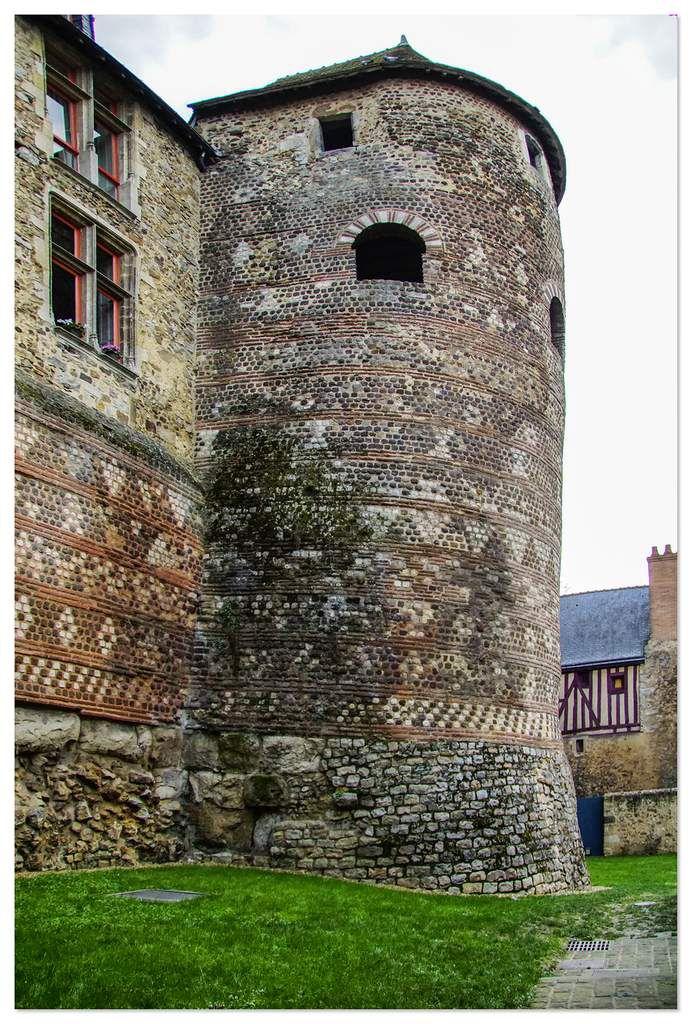 Tour du Vivier du IIIème siècle, le Mans.