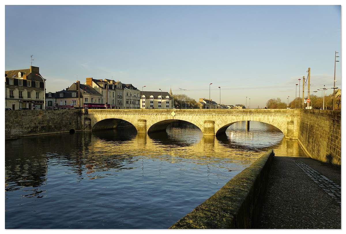 Pont Gambetta, le Mans.
