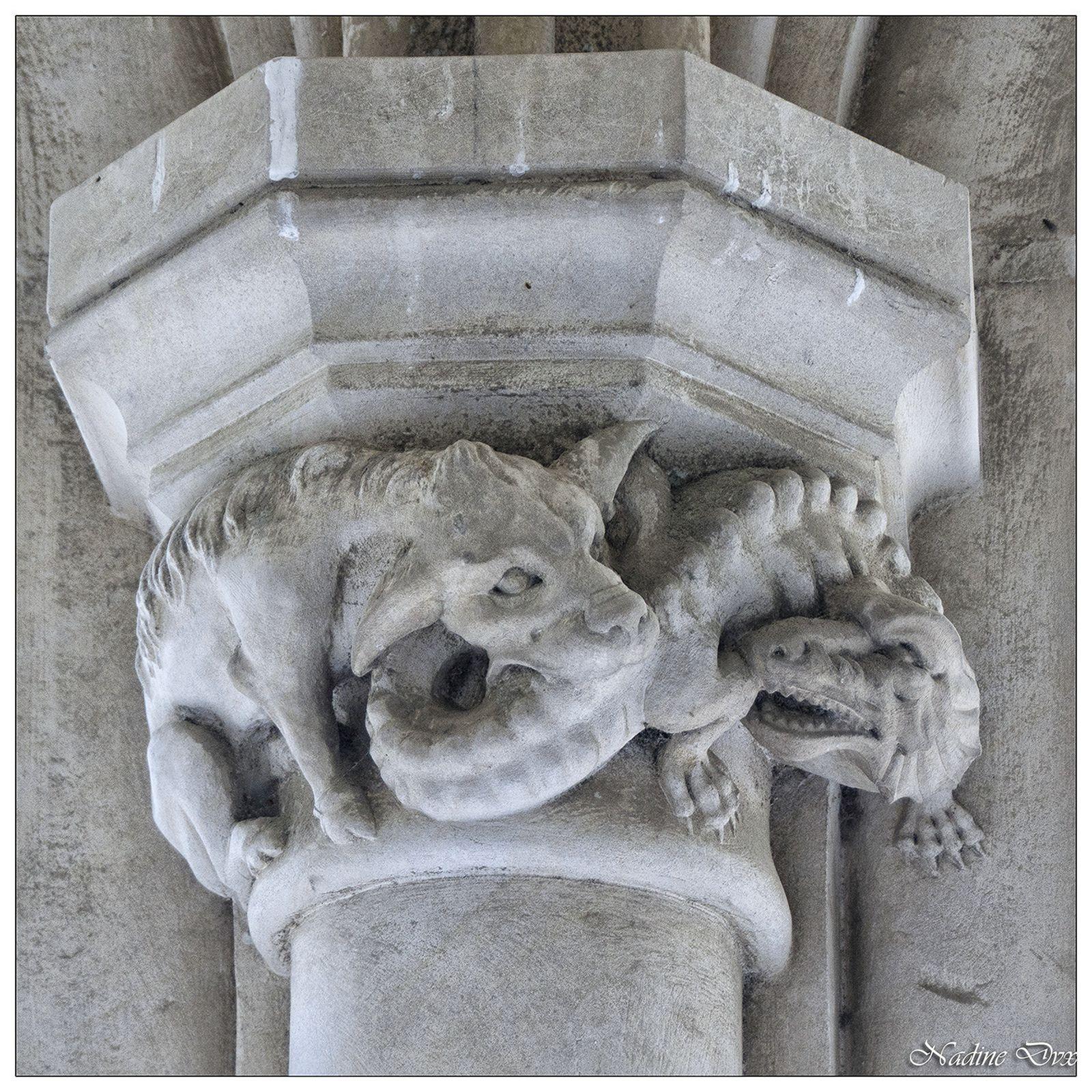 Chapiteaux de la galerie couverte - Château de Brézé