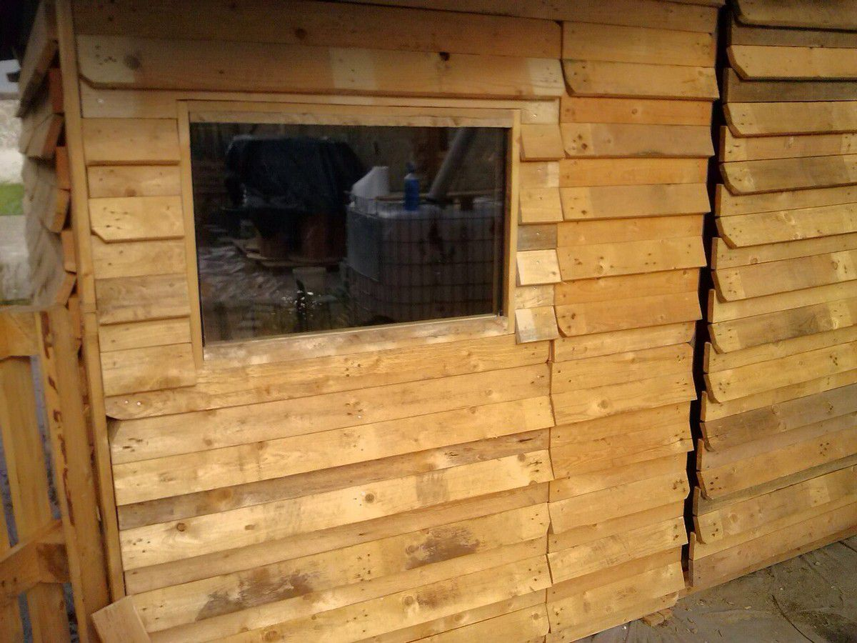 Abri De Jardin Avec Palettes cabanon de jardin en palettes - le grimoire de manou