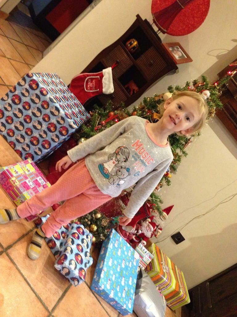 Chez Alice le père Noël est passé aussi !!! elle vient nous rejoindre ensuite