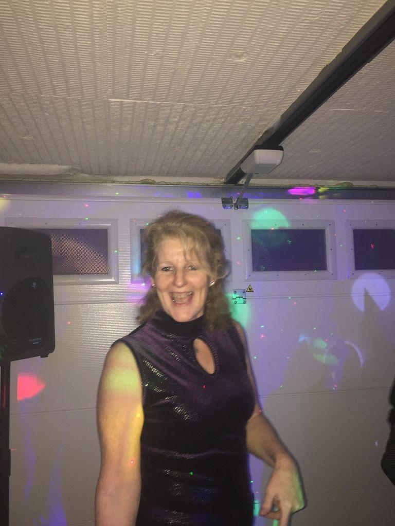 Elle danse jusqu'au bout de la nuit !!!!