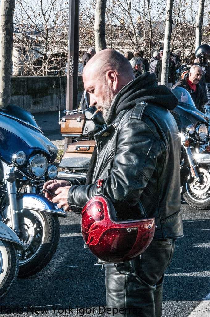 """Johnny Hommage Embarquez avec les """"Bikers"""" igor deperraz"""