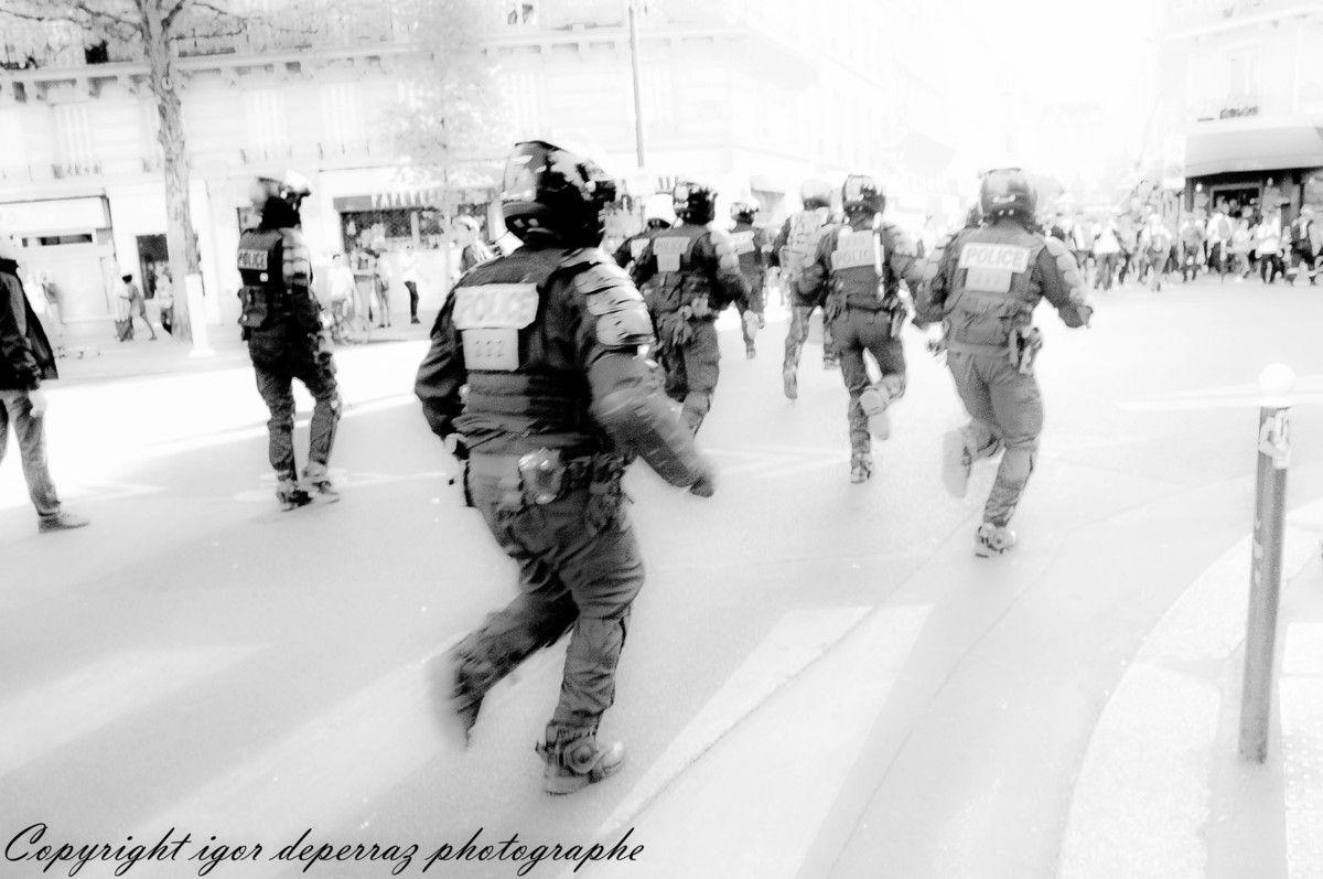 Émeutes et Guerre civile en plein Paris ...
