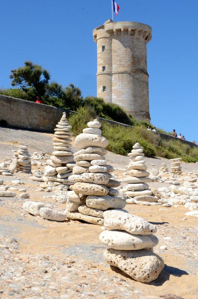L'ancien phare moins haut.