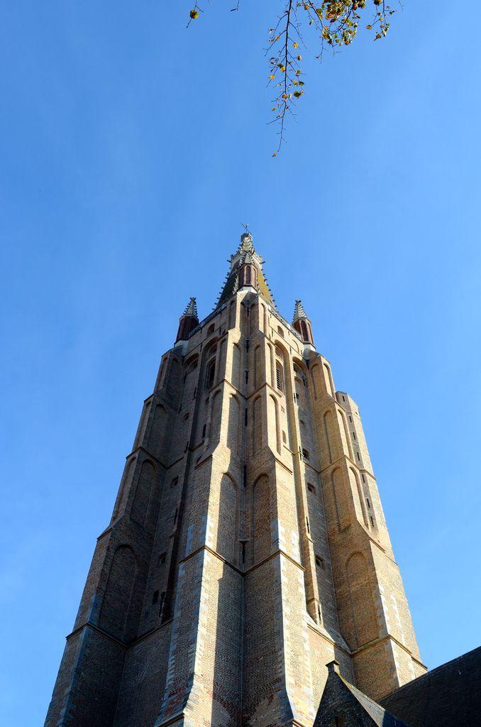 Eglise notre dame 115m de hauteur