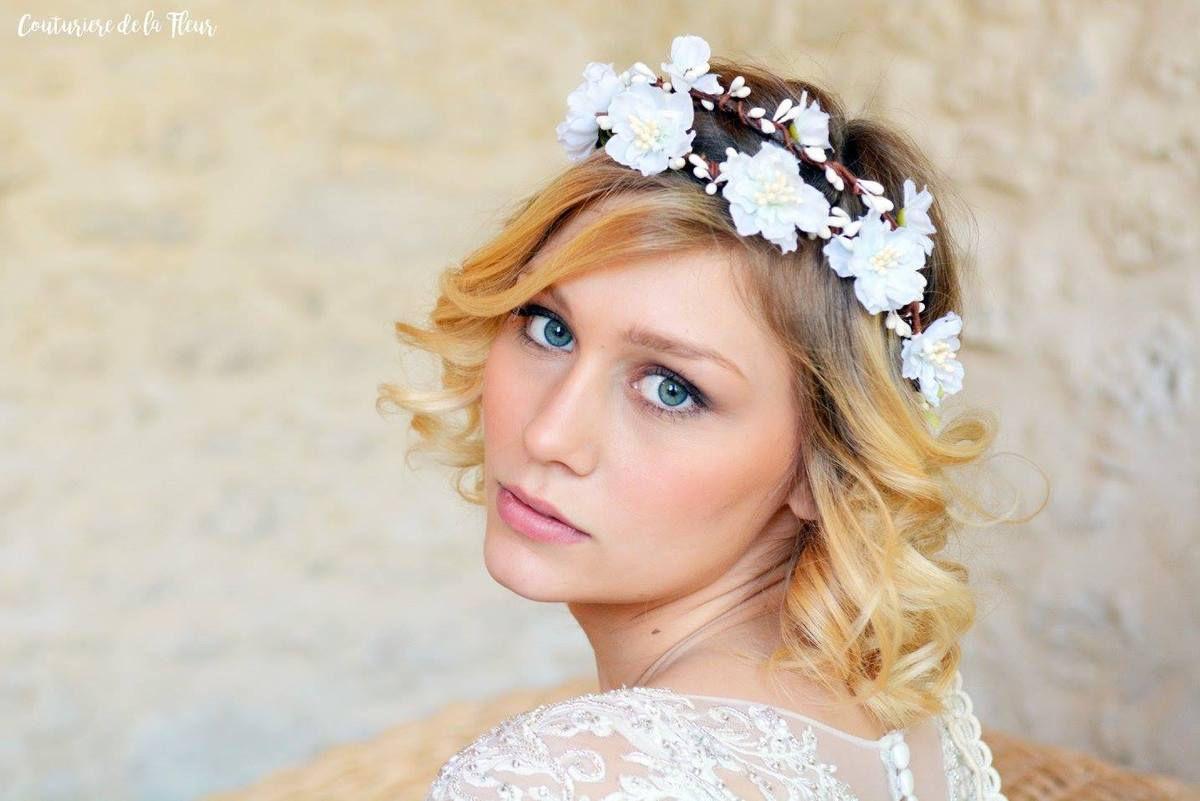 Couronne de fleurs bijoux pour mariée élégante, chic et romantique - Mariage à Sète - Mariage au Château Puech Haut