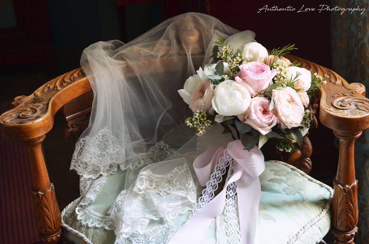 Mariage romantique au Château de Pouget by Couturière de la Fleur