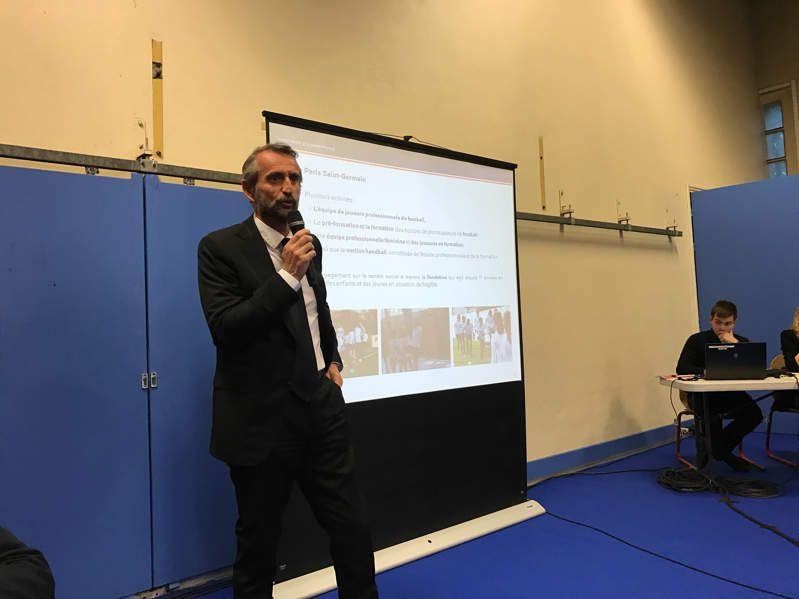PSG à Poissy : une réunion éclaircissante