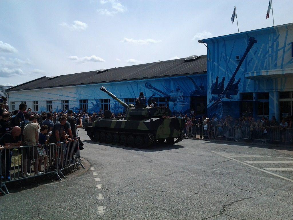 SAUMUR 2017 - Obusier automoteur 2S1 Gvozdika 122 mm